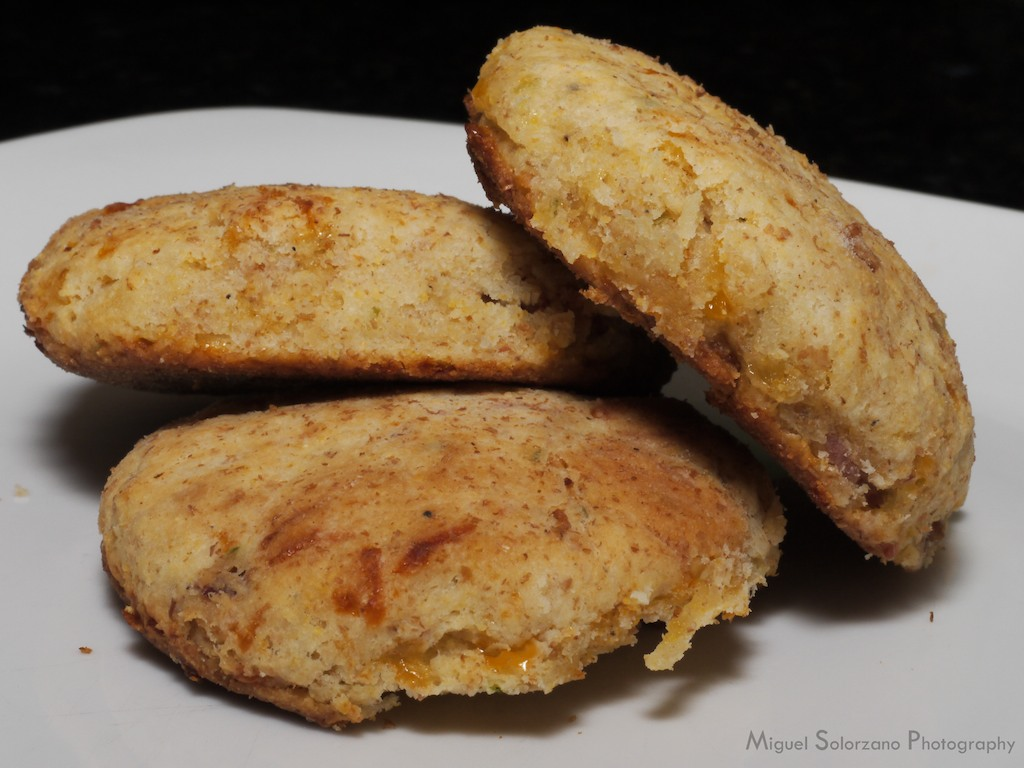 Recipe: Bacon Cheddar Biscuits | Po' Boy Livin' Rich