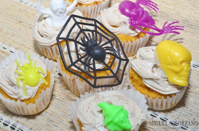 Pumpkin Cupcakes with Maple-Pumpkin Pie Spice Frosting