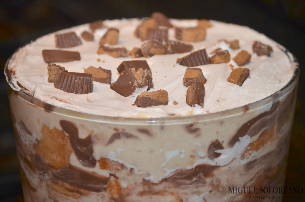 Angel food cake po boy livin rich reeses peanut butter cup trifle forumfinder Image collections